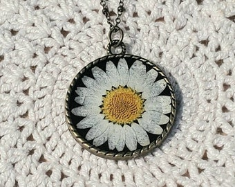 White Daisy Necklace, Wildflower Necklace, Daisy, Dried Flower Necklace, Pressed Flower Necklace, Bohemian Jewelry, Boho Necklace