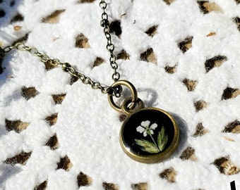 """Pressed Flower Necklace/Tiny Necklace/ Small Necklace/ Queen Annes Lace/ Wildflowers/ Layering Necklace/ Flower Necklace/ 16"""""""