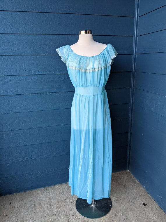 Vintage 1960s Volup Ruffled Nightgown