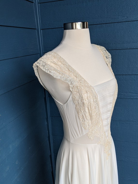 Vintage Vanity Fair 1950s Full Length Nightgown