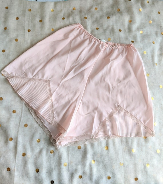 Vintage Crystal Pleat Tap Pants