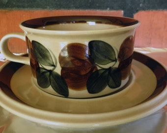 Reserved 2: ARABIA OF FINLAND  Raija Uosikkinen Vintage Ruija Tea Cup & Saucer