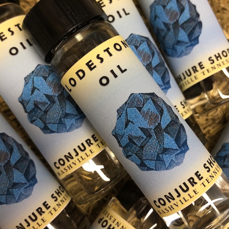 Lodestone oil scent - hoodoo - witchcraft - pagan