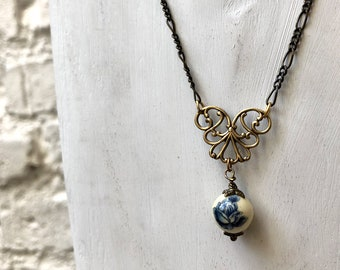 Japanese Floral Bead Necklace with Filigree