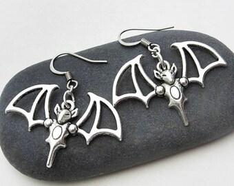 Bat earrings, dangle flying bat earrings, bat wings earrings, vampire earrings, punk gothic earrings, creepy jewelry, Halloween jewelry