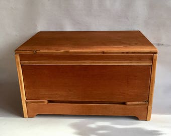 Trunk/Bench with drawer