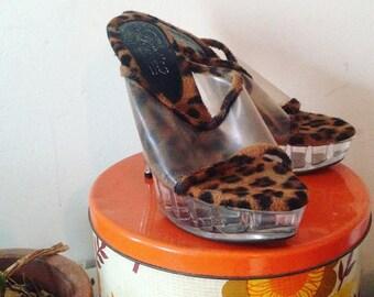 Amazing Retro Clear Perspex and Leopard Print Fake Fur - Vegas Exotic Dancer Pumps - Platform Stripper Heels - AU8 / 39 - 5 inch heel