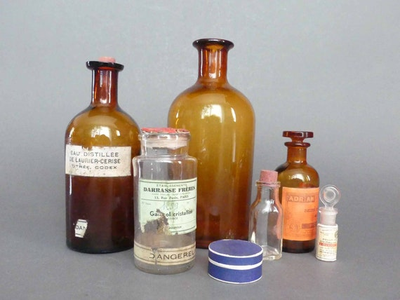 Old Bottles Of Pharmacy Apothecary Glass Antique Bottles Medicine Medicine Cabinet Of Curiosities Collection Decoration