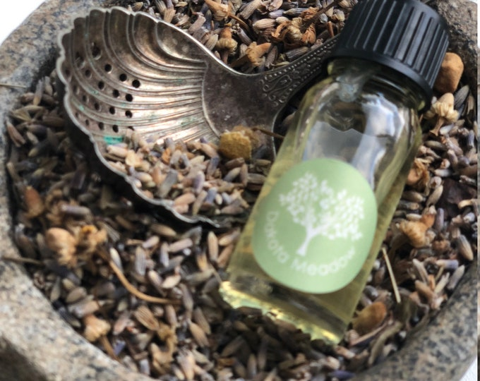 100% Organic Essential Oil for Oil Burners. Dakota Meadow, a meadow fresh combination of Geranium Rose, Lavender and Sage
