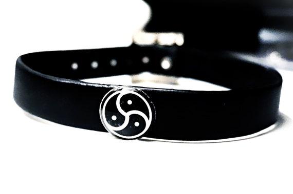 Bdsm symbol collar