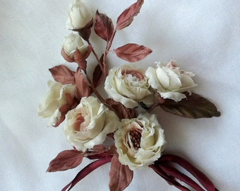 A bouquet of white roses in vintage style for doll    Miniature bouquet-a brooch for you