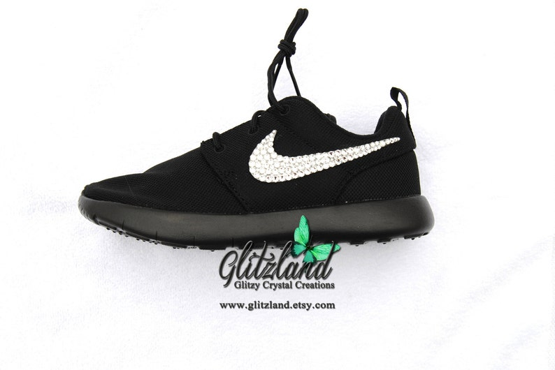 d96f6d01bcc92 SWAROVSKI® Nike Girls Preschool Black Roshe Nike Run