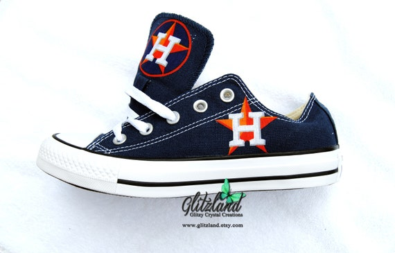 cd9c327ce3df CONVERSE Chuck Taylor Low Top With Houston Astros Logo UNISEX