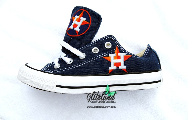 CONVERSE Chuck Taylor Low Top With Houston Astros Logo UNISEX  8236eae96