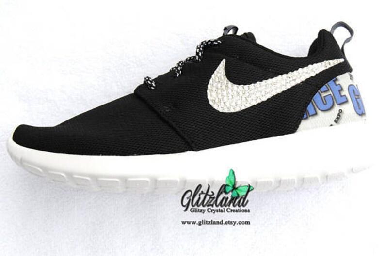 the latest 90d8c 023c9 Swarovski noir blanc filles femmes Logo Nike Run Roshe talon   Etsy