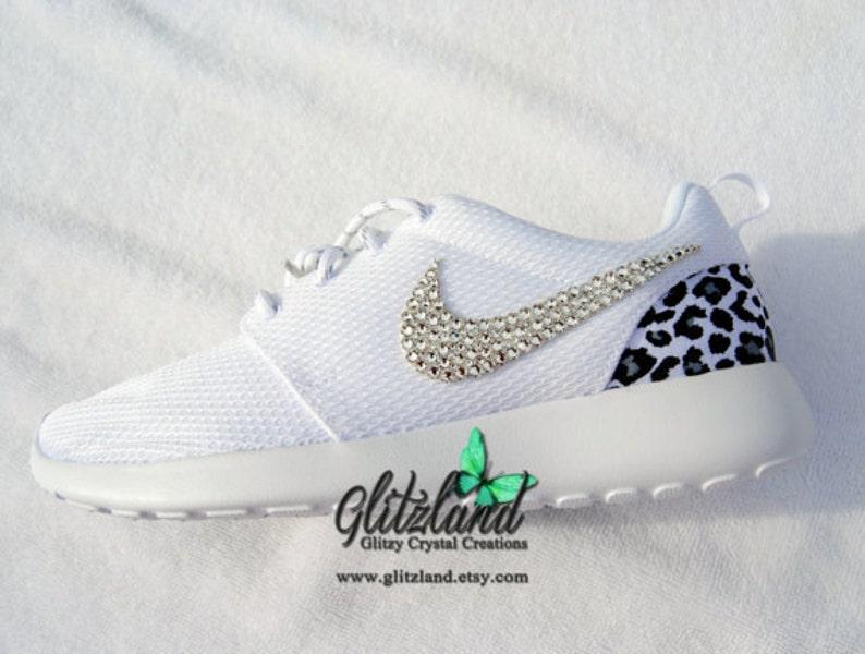 6c8d95b312c22 Swarovski Nike Girl Woman White Nike Roshe Run with Cheetah