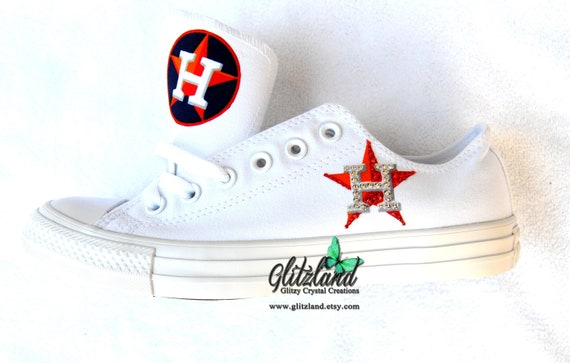 fff1ca39c4f40 CONVERSE Chuck Taylor Low Top With Houston Astros Logo Customized with  SWAROVSKI® Crystals UNISEX (Runs large for Women)