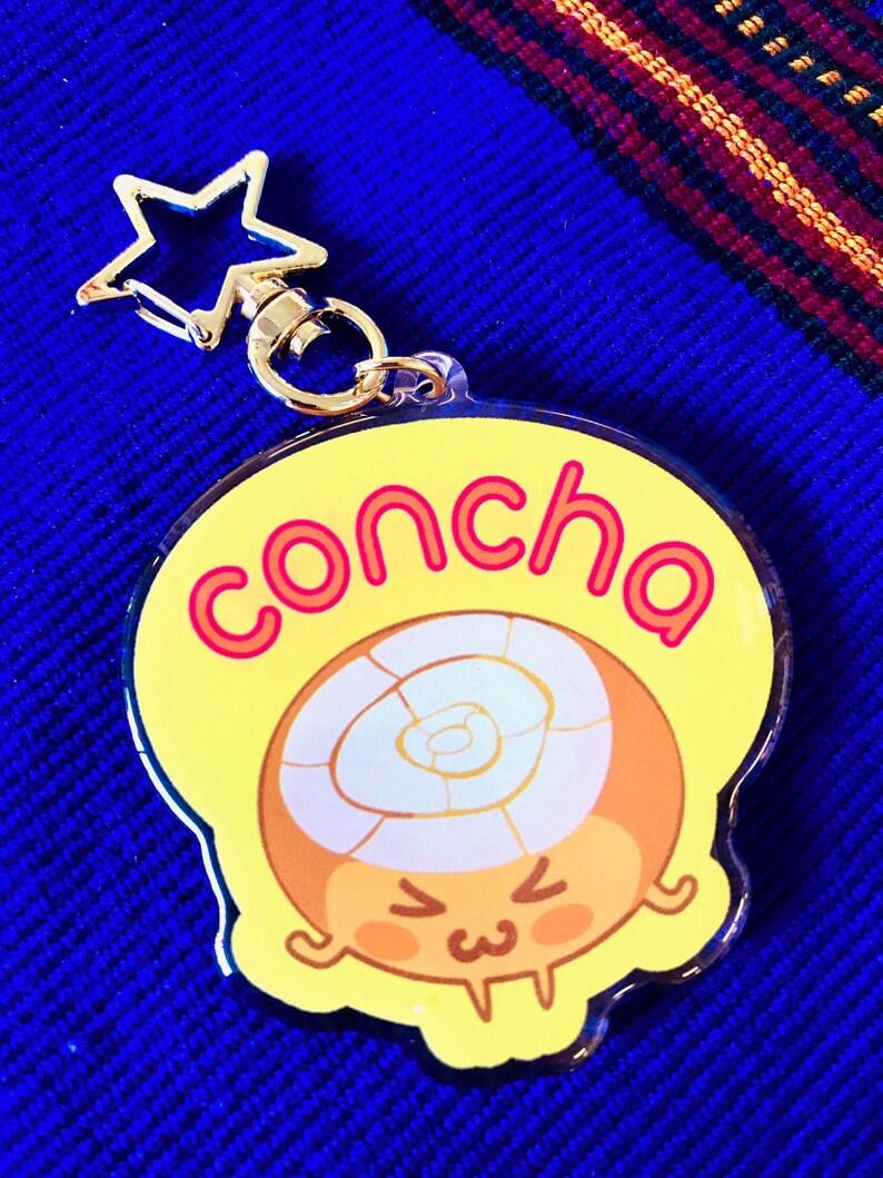 Concha Acrylic charm image 0