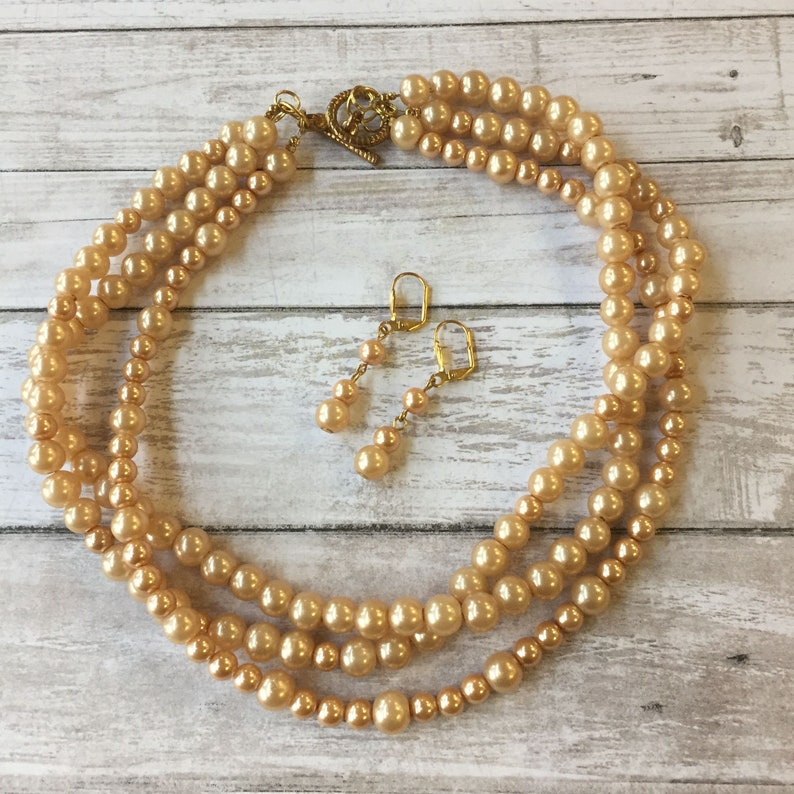 Beige Pearl necklace set