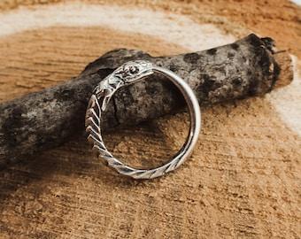 Small hoop earrings Ouroboros sterling silver 11/14 mm snake earrings. Huggie hoop earrings Gift for boyfriend. EK011s