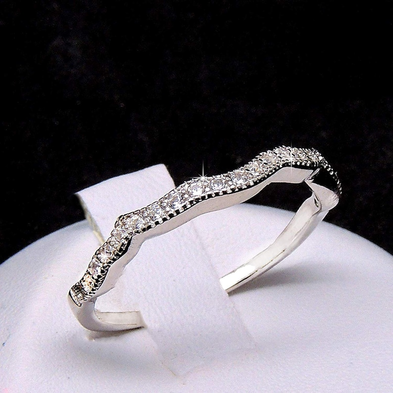 Ginger Lyne Collection Versia Sterling Silver Scalloped Wedding Bridal Band Ring