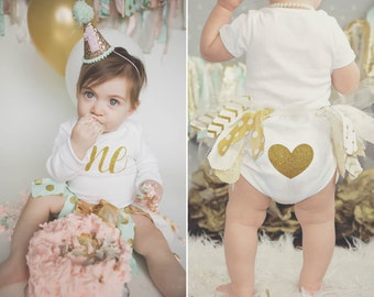 First Birthday Outfit, Gold Glitter One, Heart Bottom Outfit, First Birthday Onesie, Gold Glitter Onesie, Cake Smash Outfit, 1st Birthday