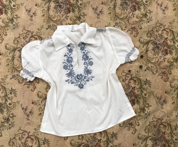 Lovely girls vintage Hungarian embroidered peasan… - image 1