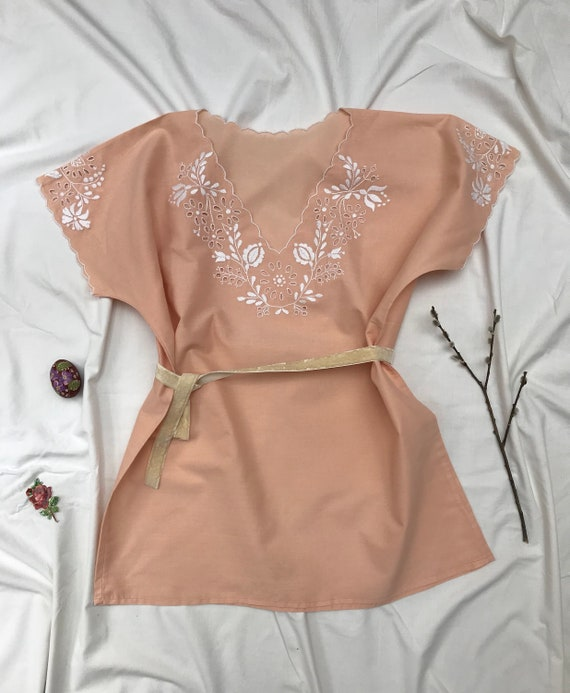 Pastel peach pink white embroidered Hungarian vint
