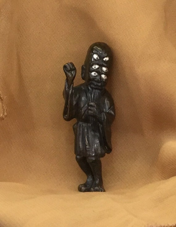 Antique rare Japanese netsuke statue man making offering to Shinto Deity aa