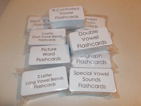 23 Laminated R-Controlled Vowel Picture Flashcards