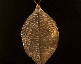 Bronze leaf pendant necklace