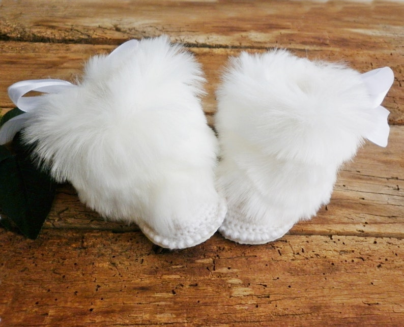 9a5b567279b9c Faux fur Luxury white baby boots, Boutique winter baby booties, inspired by  Gucci, fluffy baby booties, first shoes, knitted baby clothes