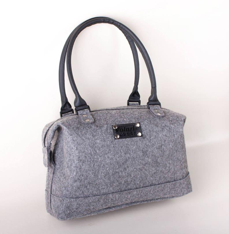 8b14a38a6b Women felt handbag Shoulder bag   Felted Tote Bag   Grey felt