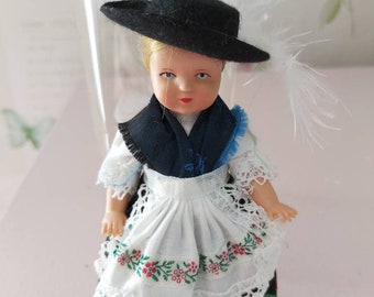 jewelry box The young lady in the summer walking costume Porcelain art doll