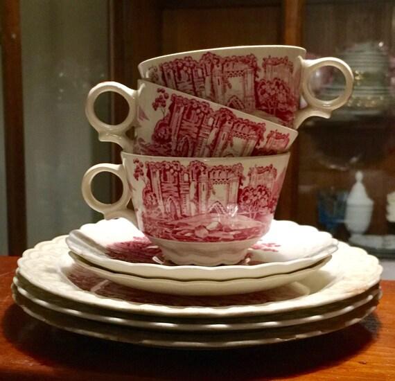 Antique Taylor, Smith et T (TS & T) Château rose motif No 8503 Set de 8 assiettes et tasses à café Collection de porcelaine rose et blanc