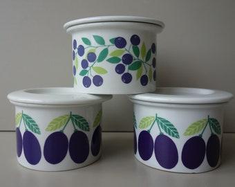 Excellent condition vintage Arabia Pomona plum berries marmalade jam storage pots with lid Raija Uosikkinen ceramic Finland mid century
