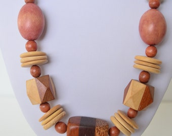 """Vintage Chunky Tribal White Red Brown Natural Hard Wood Geometric Bead Necklace 22"""""""