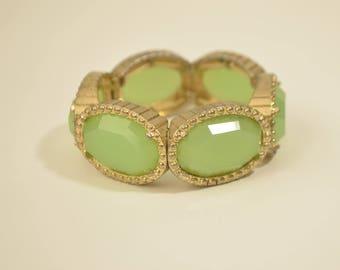 Vintage Gold Tone Jade Green Peking Glass Bead stretchy Heavy Bracelet 80 Grams