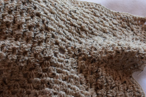 Aran Fleck Cat Mat -- Granny Square Style Pet Blanket