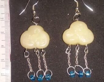 earings cloud with rain