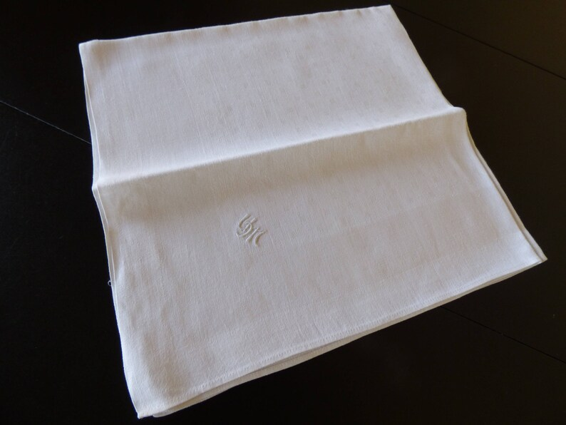 UM Monogram Hand Embroidered Monogram 4 Huge Vintage Damask Linen Napkins Extra Large 25 Inches!