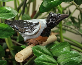 Ceramic decoration statue for garden and home 'Crow' H12cm. Handmade by © Midene (GKW9)