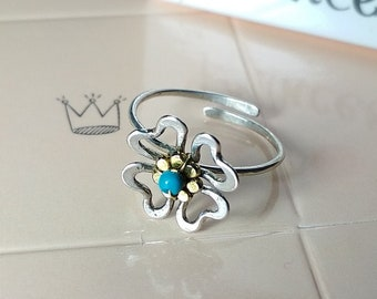 Toe ring clover, Flower toe ring, adjustable toe ring, gift for her, Midi Ring, Beach Fashion, Knuckle Ring, Foot Jewelry, turquoise ring.