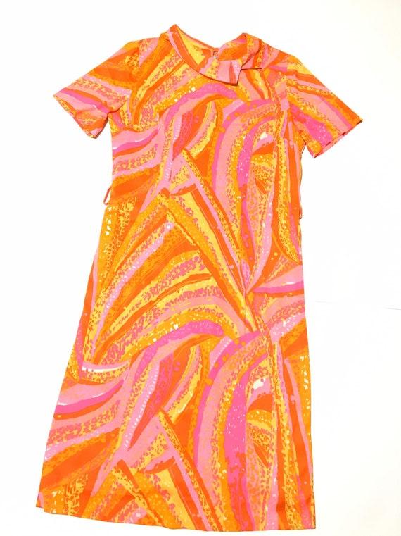 Vtg. 60s Psychedelic Pattern Mod Dress
