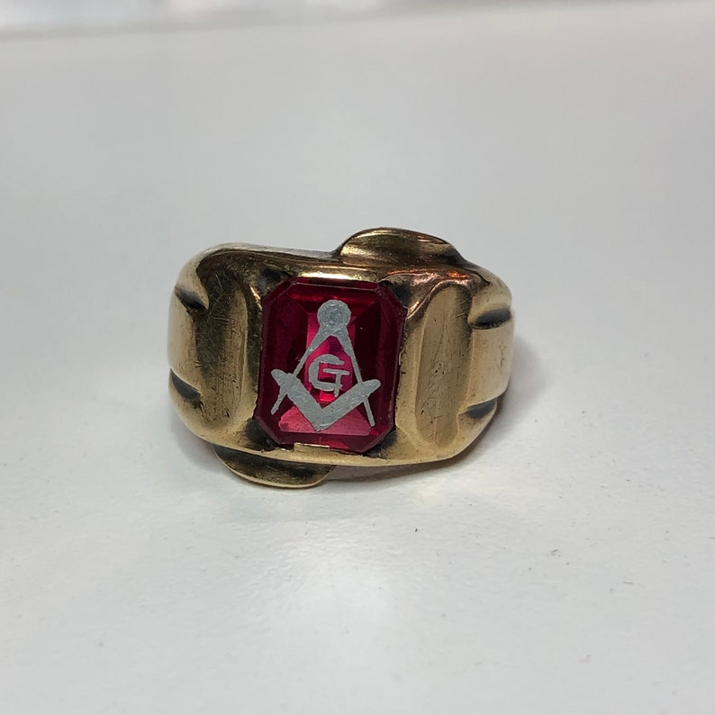 Vintage Art Deco 10k gold Synthetic Red Ruby Masonic Ring Sz  10 3/4