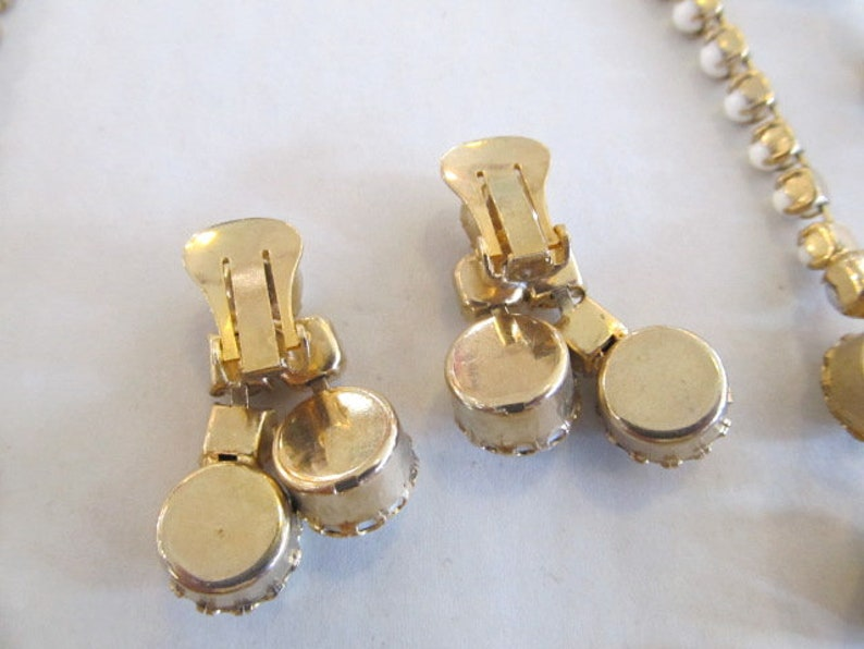 White Necklace Bracelet /& Earrings Set Cabochons with Aurora Borealis Rhinestones