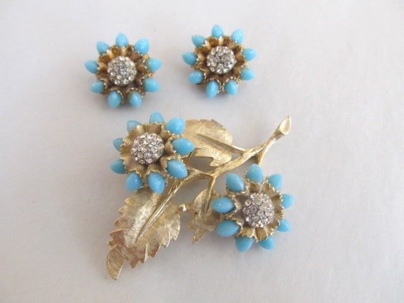 HAR Brooch & Earrings Set Aqua and Rhinestones Sig