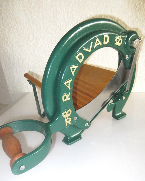 antique RAADVAD Cutter Bread Slicer Danish Design vegetable Fruit Cutting Board Guillotine Slicer Blade in wood and cast iron green