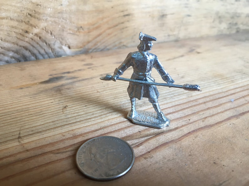 18th Century Pewter Toy Soldier - Artillery Man with Ladle and Rammer