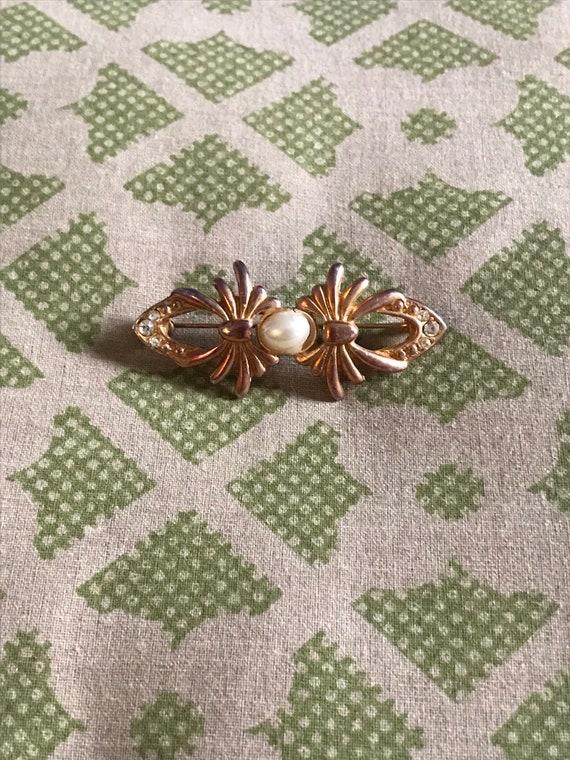 Vintage Pearl Brooch, Gold Brooch, Rhinestone Bro… - image 4